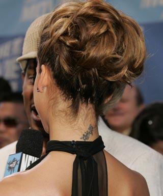 Jessica Alba tetovanie video obrazky